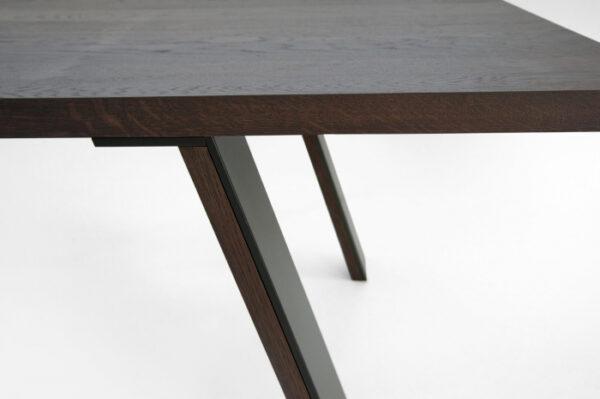 Mese lemn picioare inclinate cu rama metalica E-KLIPSE 002
