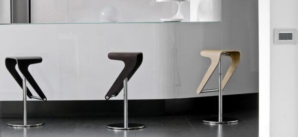 Scaune bar moderne ajustabile structura metal sezut lemn WOODY 495
