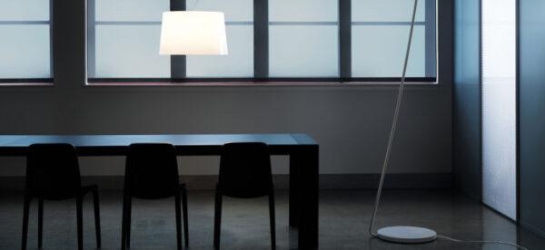 Lampa de podea cu picior si abajur din policarbonat L001T/BA