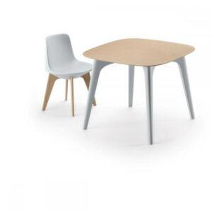 Masa cu blat HPL/lemn si patru picioare din plastic PLANET TABLE