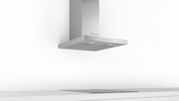 Hotă semineu dreaptă Bosch Serie 6 DWB67CM50, Capacitate 671 m³/h (intensiv, mod evacuare), 3 viteze + intensiv, TouchControl, Filtru metalic lavabil, 60 cm, Inox