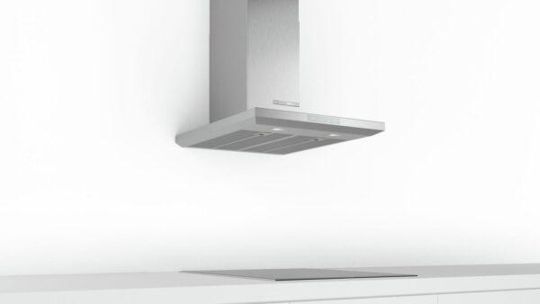 Hotă semineu dreaptă Bosch Serie 6 DWB67LM50, Capacitate 646 m³/h (intensiv, mod evacuare), 3 viteze + intensiv, TouchControl, Filtru metalic lavabil, 60 cm, Inox